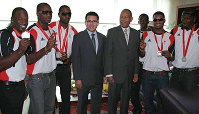 Flashback… Former Prime Minister Patrick Manning and then sports minister Gary Hunt pose with members of the T&T 4x100 mens relay team during a welcome reception at Piarco International Airport in 2008. From left is Aaron Amstrong, Emmanuel Callender, Richard Thompson, Rondel Sorillo, Keston Bledman and Marc Burns.